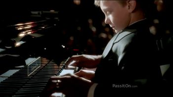 The Foundation for a Better Life TV Spot, 'Pass It On: Concert' - Thumbnail 5