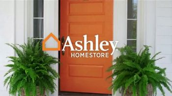 Ashley HomeStore New Year's Sale TV Spot, 'Sleigh Bed' - Thumbnail 1