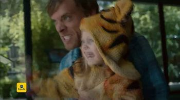 Expedia TV Spot, 'Tiger Costume' - Thumbnail 10