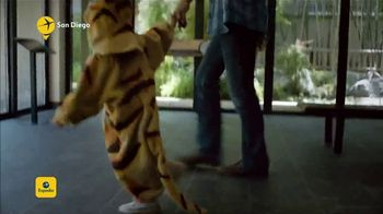 Expedia TV Spot, 'Tiger Costume' - Thumbnail 7