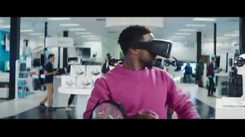 Chase Freedom Unlimited Card TV Spot, 'Always Earning at the Electronics Store' Featuring Kevin Hart - Thumbnail 6