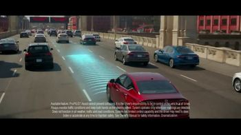 2019 Nissan Altima TV Spot, 'Surround Yourself With Safety' [T2] - Thumbnail 4