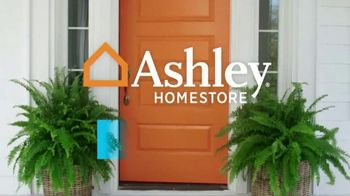 Ashley HomeStore Presidents Day Sale TV Spot, 'Four Days Only: Sofa' - Thumbnail 1