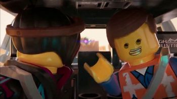 2019 Chevrolet Silverado TV Spot, 'The LEGO Movie 2: The Second Part: Getaway' [T1] - Thumbnail 6