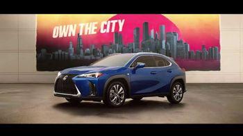 Lexus UX TV Spot, 'Misión: posible' canción de Mexican Institute of Sound [Spanish] [T2] - Thumbnail 8