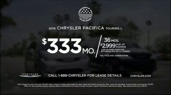 Chrysler Presidents Day Sales Event TV Spot, 'Shallow Thoughts: Quiet' Feat. Kathryn Hahn [T2] - Thumbnail 8
