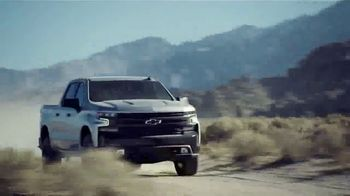 Chevrolet Silverado TV Spot, 'A Little Bit Country, a Little Bit Rock 'n' Roll' [T1] - Thumbnail 5