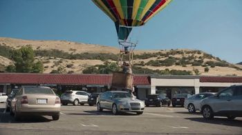 Farmers Insurance TV Spot, 'Hall of Claims: Fly-By Ballooning' - Thumbnail 3