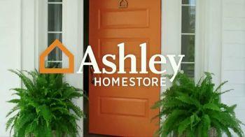 Ashley HomeStore Sale & Clearance Mattress Event TV Spot, 'Free Box Spring' - Thumbnail 1