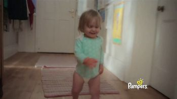 Pampers Cruisers TV Spot, 'Baby Relay' - Thumbnail 2