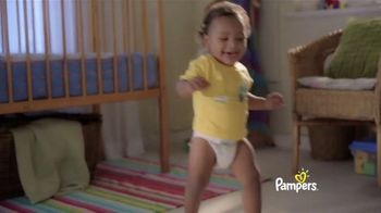 Pampers Cruisers TV Spot, 'Baby Relay' - Thumbnail 8