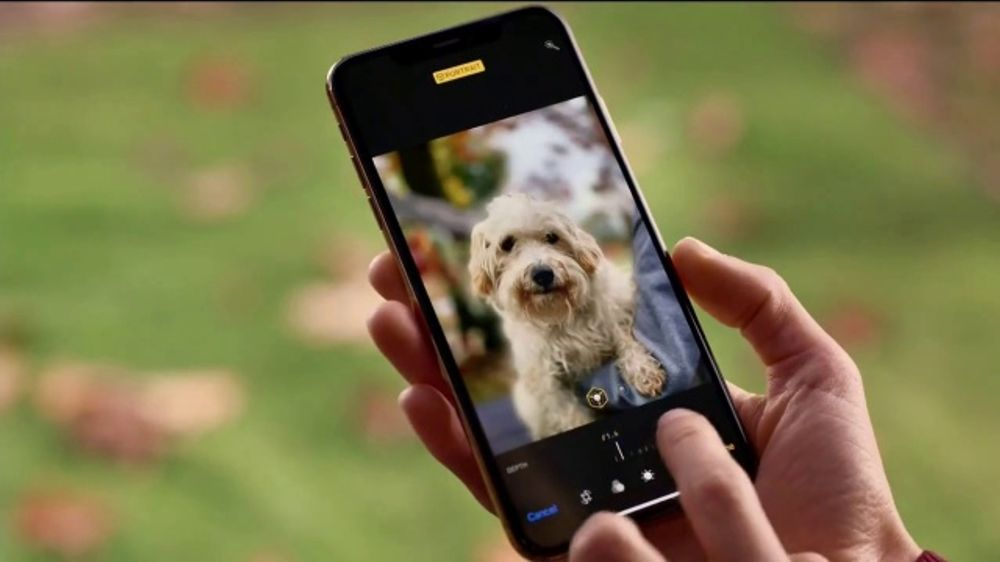 Straight Talk Wireless TV Commercial, 'Bring Out the Best: iPhone XS' -  Video