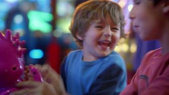 Peter Piper Pizza TV Spot, 'Here's to the Family' - Thumbnail 6