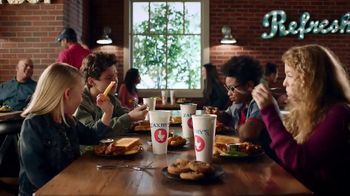 Zaxby's Boneless Wings Meal TV Spot, 'Crew' - Thumbnail 2