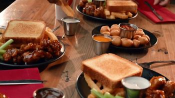 Zaxby's Boneless Wings Meal TV Spot, 'Crew' - Thumbnail 6