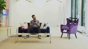 Stash TV Spot, 'Don't Invest in a Talking Chair' - Thumbnail 9