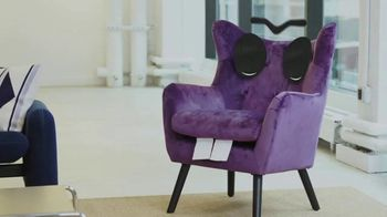 Stash TV Spot, 'Don't Invest in a Talking Chair' - Thumbnail 3