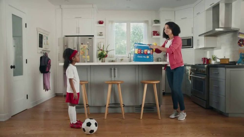 74f011527e1c2 Frito Lay Classic Mix TV Commercial, 'Soccer Mom' - Video