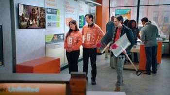 Boost Mobile TV Spot, 'Un milagro de Switchmas: teléfonos LG' [Spanish] - 1 commercial airings