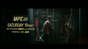 UFC 235 TV Spot, 'Garbrandt vs Munhoz' - Thumbnail 10
