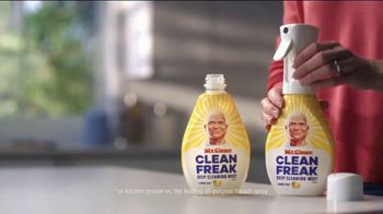 Mr. Clean Clean Freak Deep Cleaning Mist TV Spot, 'Stop Struggling' - Thumbnail 10
