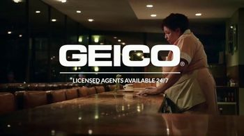 GEICO TV Spot, 'The Gecko Visits a Diner' - Thumbnail 10