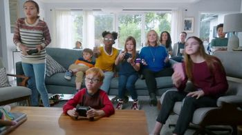 XFINITY xFi TV Spot, 'Potpourri: DVR for a Year' Featuring Amy Poehler - Thumbnail 3