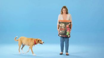 Chewy.com TV Spot, 'Big Bags of Pet Food and Litter, Delivered: 30 Percent Off' - Thumbnail 2