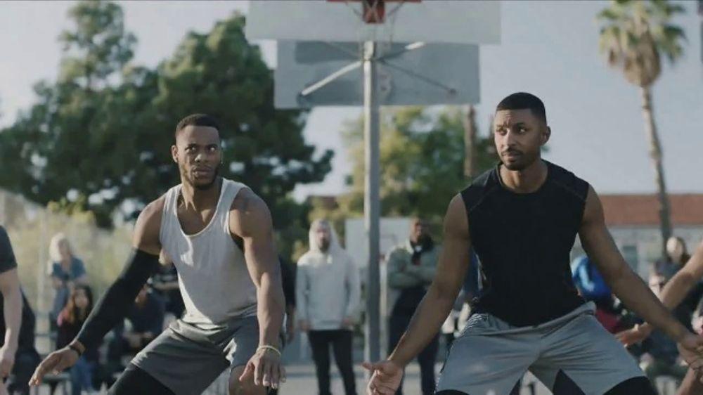 GEICO TV Commercial, 'A Barbershop Quartet Plays Basketball'