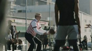 GEICO TV Spot, 'A Barbershop Quartet Plays Basketball' - Thumbnail 5