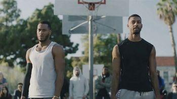 GEICO TV Spot, 'A Barbershop Quartet Plays Basketball' - Thumbnail 6