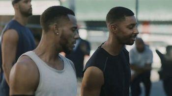 GEICO TV Spot, 'A Barbershop Quartet Plays Basketball' - Thumbnail 8