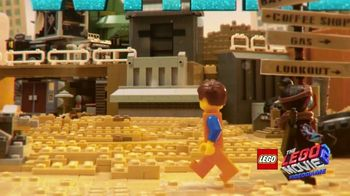 LEGO Movie 2 Video Game TV Spot, 'Amazing New Worlds' Song by Can't Stop Won't Stop - Thumbnail 6