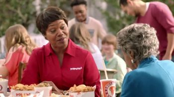 Popeyes $5 Southern Butterfly Shrimp TV Spot, 'Granny' - Thumbnail 4