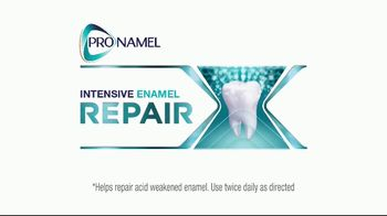 ProNamel Intensive Repair TV Spot, 'Actively Repair Acid-Weakened Enamel' - Thumbnail 7