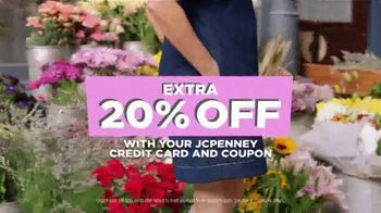 JCPenney Spring Collection TV Spot, 'Look at You Now' Song by Redbone - Thumbnail 5
