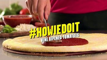 Hungry Howie's Pi Day Deal TV Spot, 'How We Do It' Song by Montell Jordan - Thumbnail 5