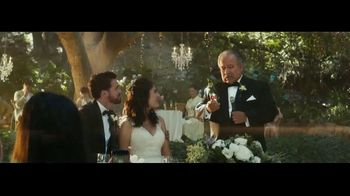 Dos Equis TV Spot, 'Brindis' [Spanish]