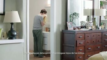 Gain Flings! TV Spot, 'La toalla del perro' [Spanish] - Thumbnail 2