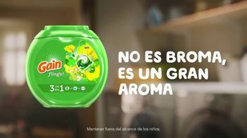 Gain Flings! TV Spot, 'La toalla del perro' [Spanish] - Thumbnail 7
