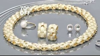 Macy's 48 Hour Sale TV Spot, 'Fine Jewelry, Shoes for Her and Luggage' - Thumbnail 4