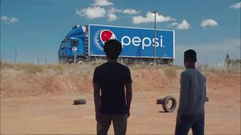 Pepsi TV Spot, 'The Last Can Standing' Ft. Lionel Messi, Mohamed Salah, Song by Gold Brother - Thumbnail 10