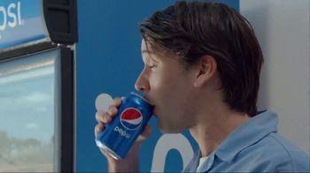 Pepsi TV Spot, 'The Last Can Standing' Ft. Lionel Messi, Mohamed Salah, Song by Gold Brother - Thumbnail 9