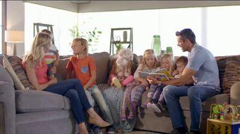 La-Z-Boy Year End Sale TV Spot, 'From Cozy to Spacious' - Thumbnail 3