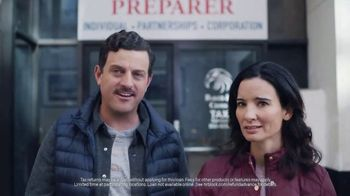 H&R Block Tax Refund Advance TV Spot, 'To the Moon' - Thumbnail 6