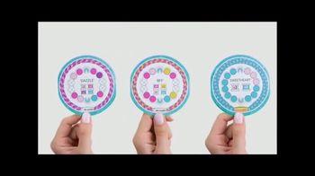 Cool Maker Kumi Kreator Bracelet Maker TV Spot, 'A New Way' - Thumbnail 7