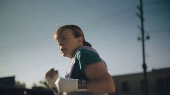 Walgreens TV Spot, 'Keep Doing You: Shadowboxing' - Thumbnail 9