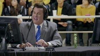 GEICO TV Spot, 'The Gecko Cheers During His First NCCA Basketball Game' - Thumbnail 1