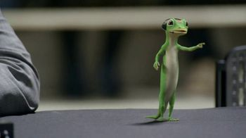 GEICO TV Spot, 'The Gecko Cheers During His First NCCA Basketball Game' - Thumbnail 5