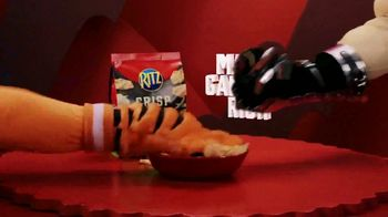 Ritz Crackers Crisp & Thins TV Spot, 'Make Gameday Rich' - Thumbnail 8
